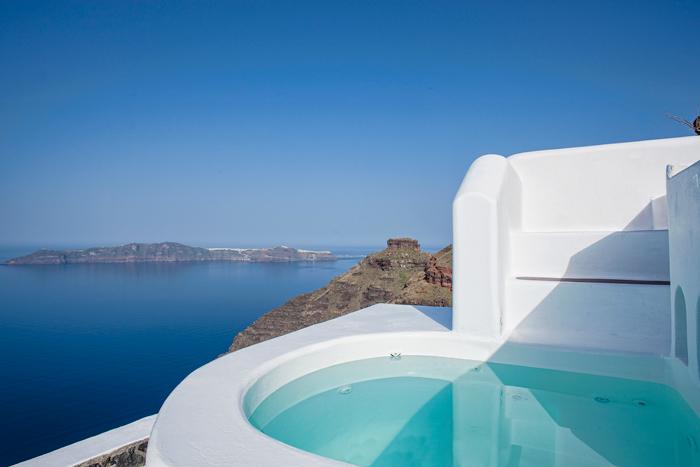Dreams Traditional Luxury Suites in Greek Island Santorini   villa in greek island 24
