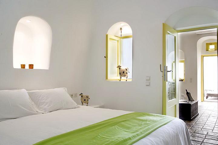 Dreams Traditional Luxury Suites in Greek Island Santorini   villa in greek island 26