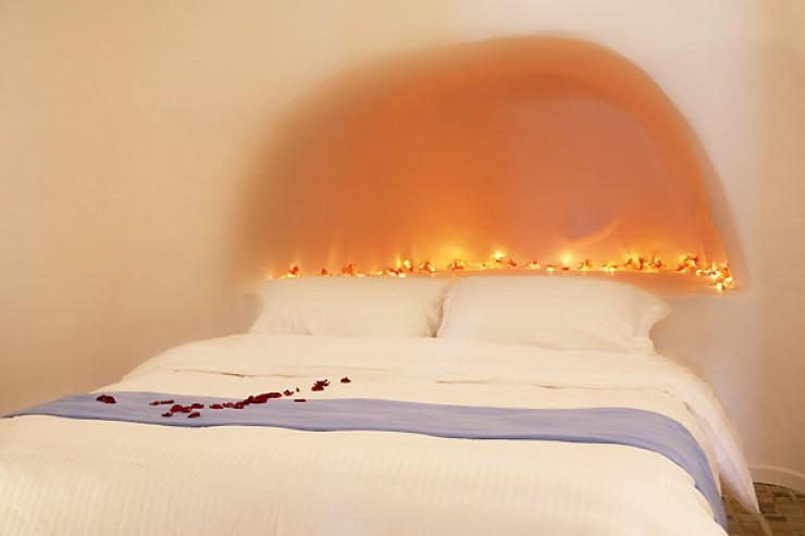 Dreams Traditional Luxury Suites in Greek Island Santorini   villa in greek island 39