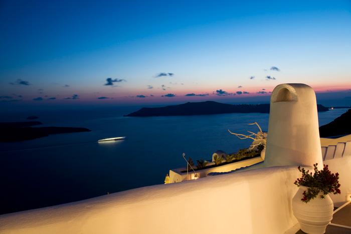 Dreams Traditional Luxury Suites in Greek Island Santorini   villa in greek island 4 1