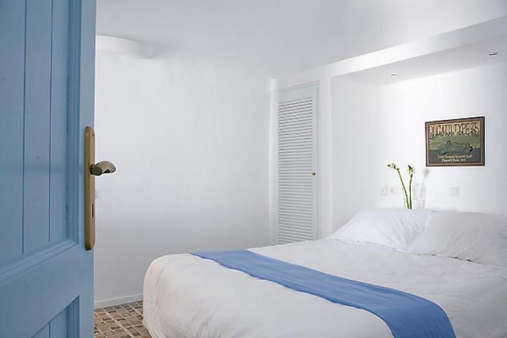Dreams Traditional Luxury Suites in Greek Island Santorini   villa in greek island 40