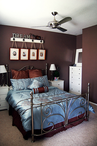 Brown Bedroom Decoration
