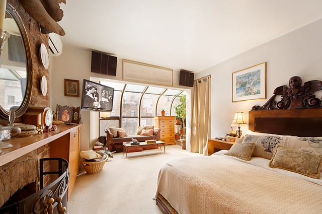 manhattan house bedroom