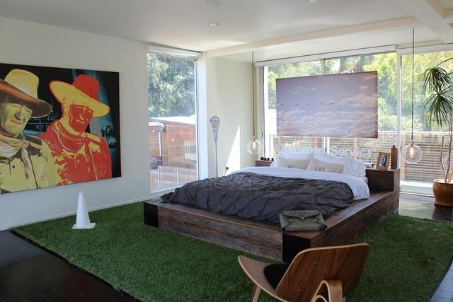 alexis modern bedroom