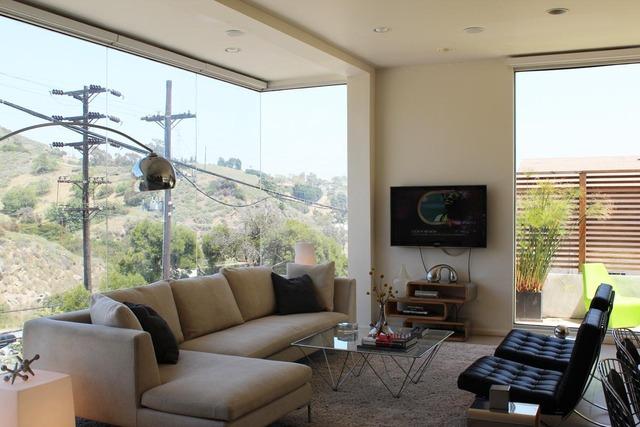 alexis modern living room