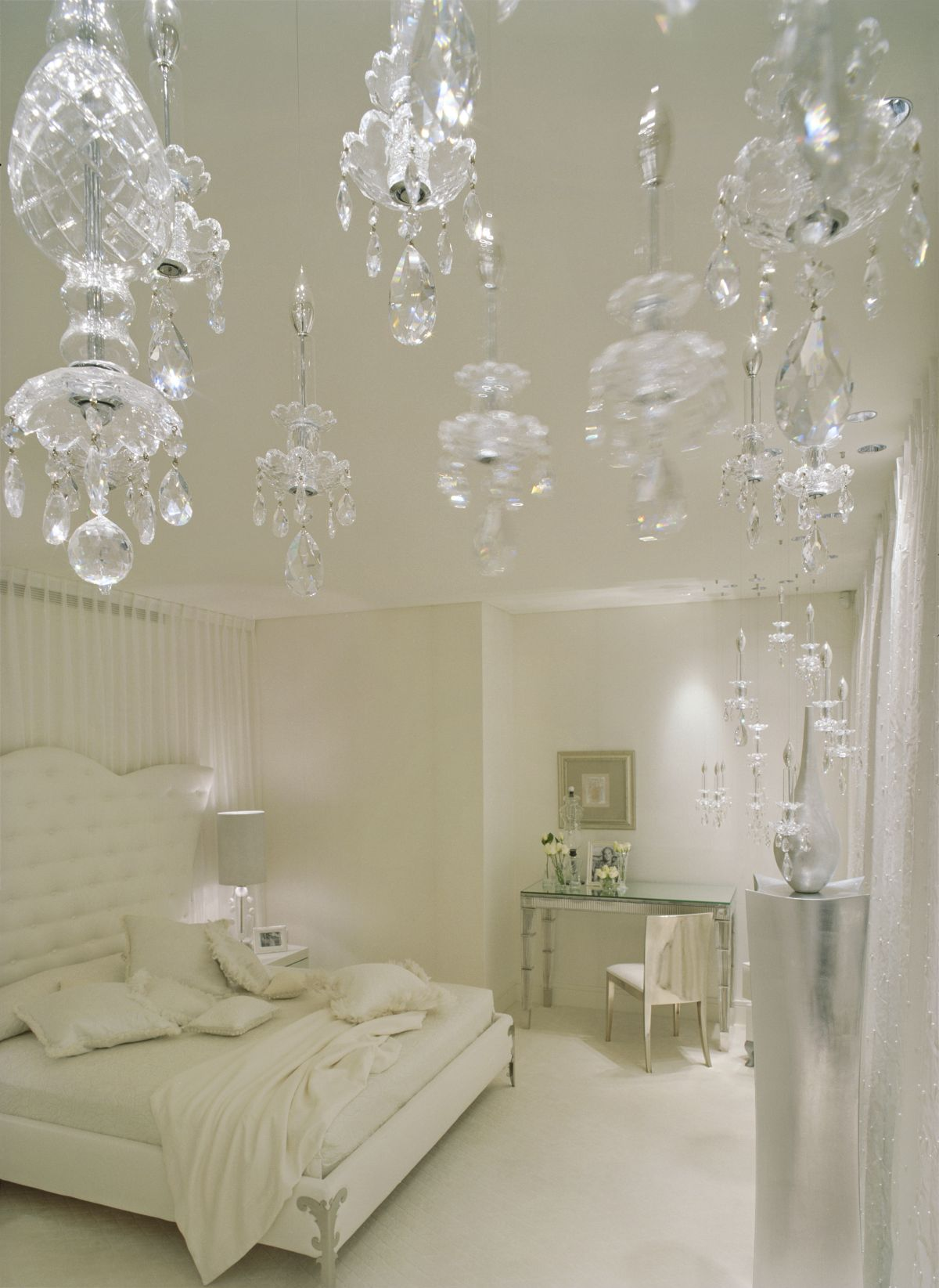 Luxury White Bedroom Decorating By Shh