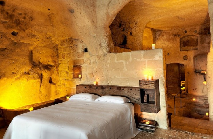 hotel into limestone caves in Italy 11