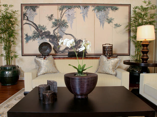 The idea of orchids and bamboo ornaments in the living room Japanese style