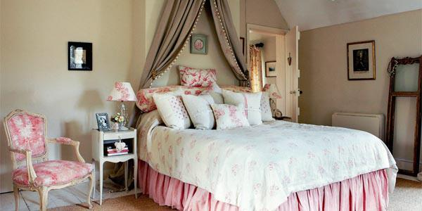 pink chabby chic bedroom