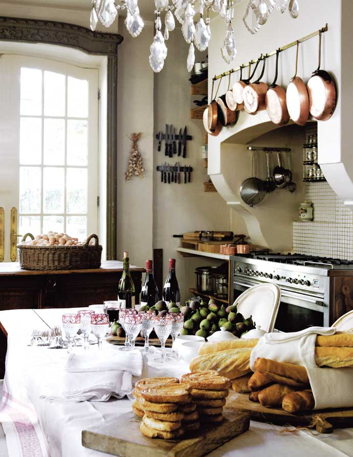 Sophisticated french style house decorating decoholic for French chateau kitchen designs