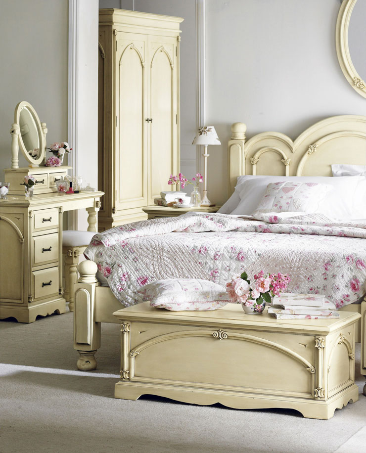 20 awesome shabby chic bedroom furniture ideas decoholic for Photo shabby chic