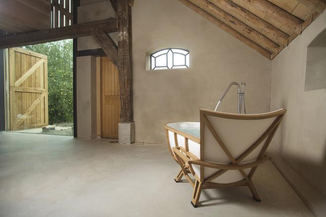 Unique Bathtub Design by Studio Thol's 6