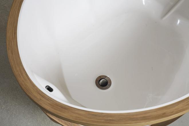 Unique Bathtub Design by Studio Thol's 9