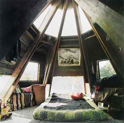 30 beautifully decorated attic room designs decoholic for Attic room