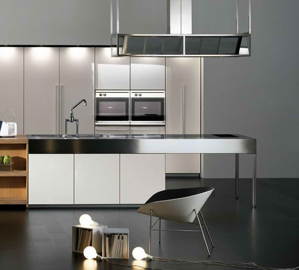 10 stylish aluminium stainless steel kitchen designs for Kitchen set aluminium modern