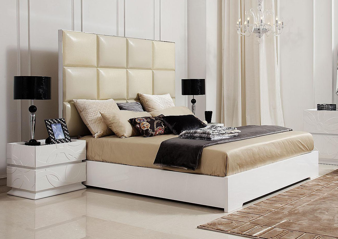 Crocodile Style Patterned Italian Top Leather Bed in White Gloss .
