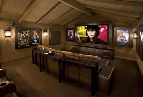 20 stunning home theater rooms that inspire you decoholic for Home theatre decorations