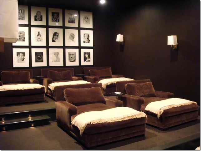 20 stunning home theater rooms that inspire you decoholic for Furniture for media room