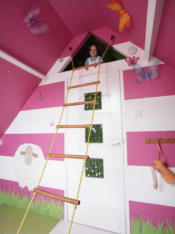 fuchsia kid's playroom
