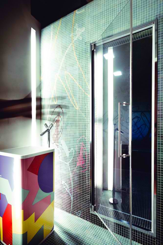 modern bathroom 3 with black tiles interior design by veneziana and team