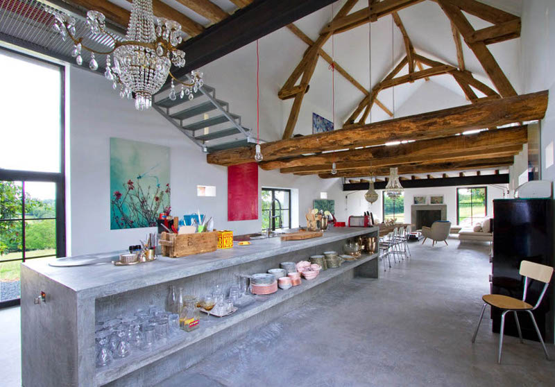 Rustic meets modern in an old barn decoholic for Modern rustic home plans