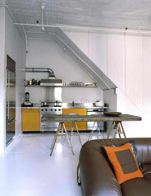 Etonnant Small Kitchen Design 33 Under Stairs