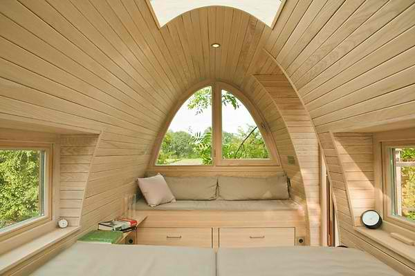 Curved Tree House In Germany by baumraum