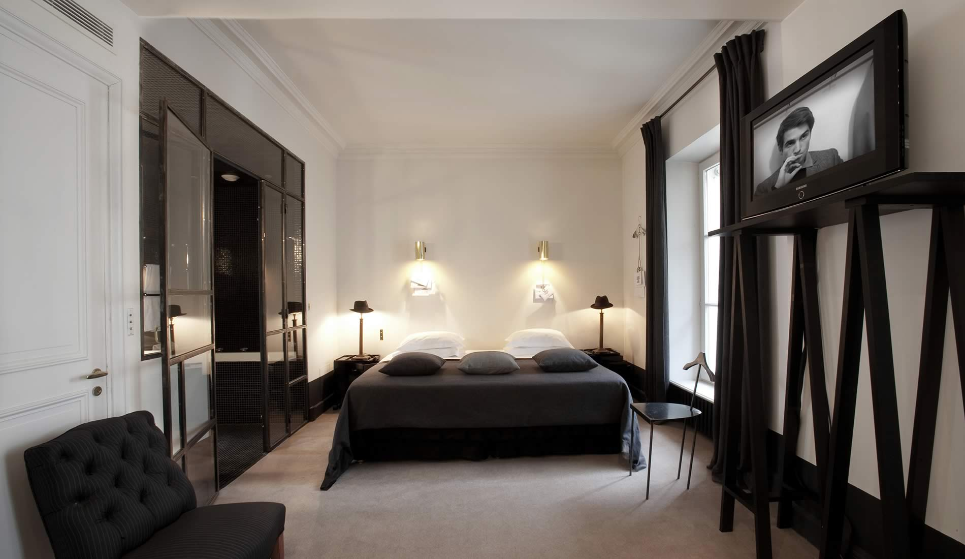 hotel particulier montmartre in paris decoholic. Black Bedroom Furniture Sets. Home Design Ideas