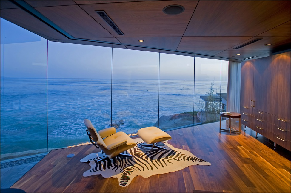 Impressive Glass House in California by Jonathan Segal