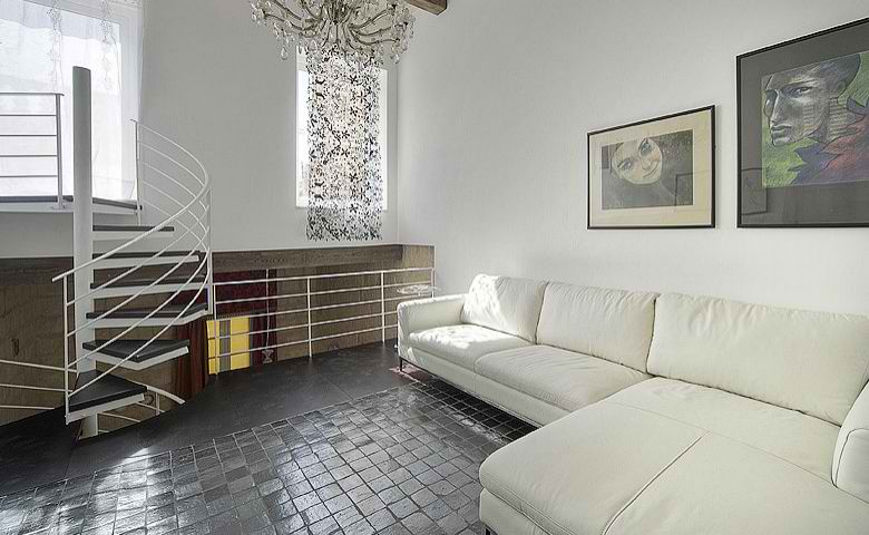 Indulgence divine in vittoriosa malta decoholic for Divine interior designs