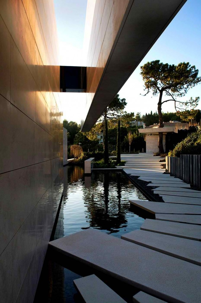 Marbella ΙΙ House in Spain by A-cero 16