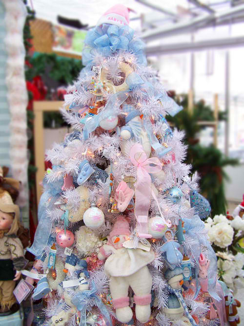 babys first christmas tree decorating ideas