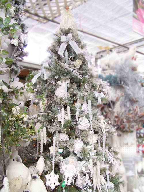 37 inspiring christmas tree decorating ideas decoholic for White xmas decorations