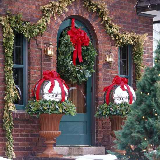 Great Outdoor Christmas Decorations 14