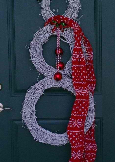 front door holiday decor
