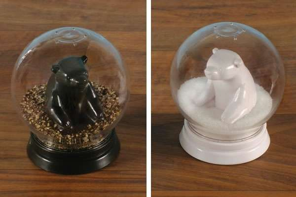 Snow_2_Globe_Salt_and_Pepper_Shakers
