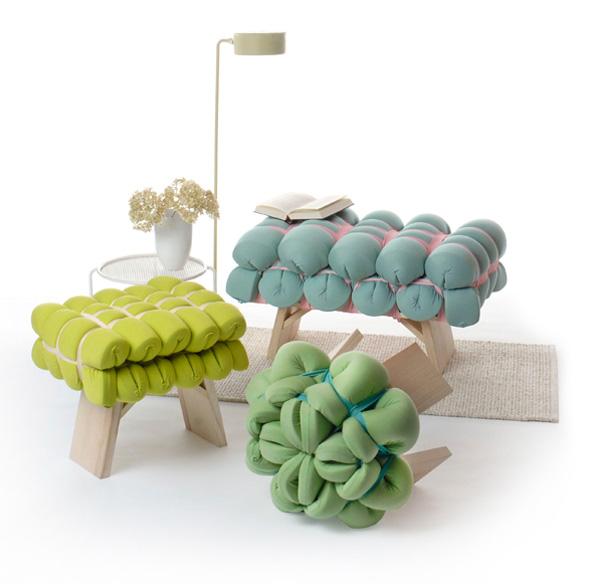 Zieharsofika Benches by Flat Foam Mat