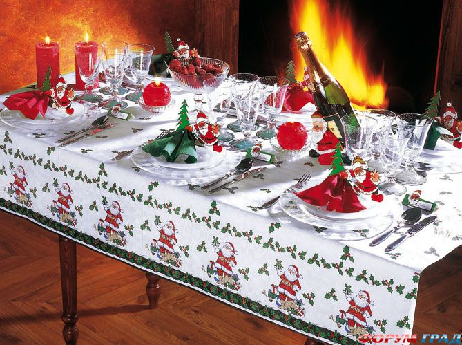 Holiday table decorating photos photograph 65 adorable chr - Idees deco table noel ...