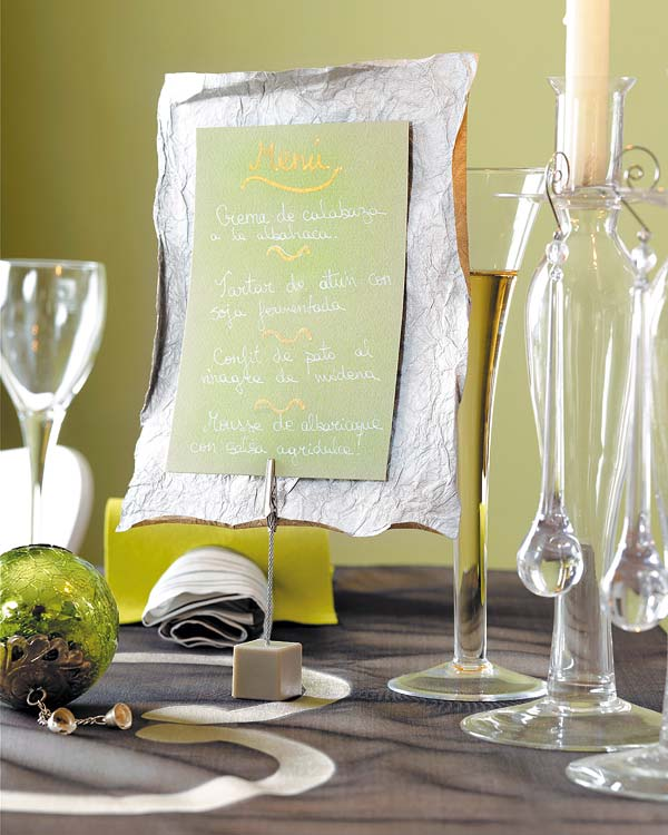 written wishes for christmas table decor