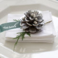 adorable christmas table decorations with pinecones