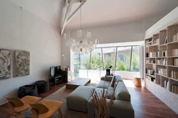 House in france by maurice padovani decoholic for Case ristrutturate da architetti