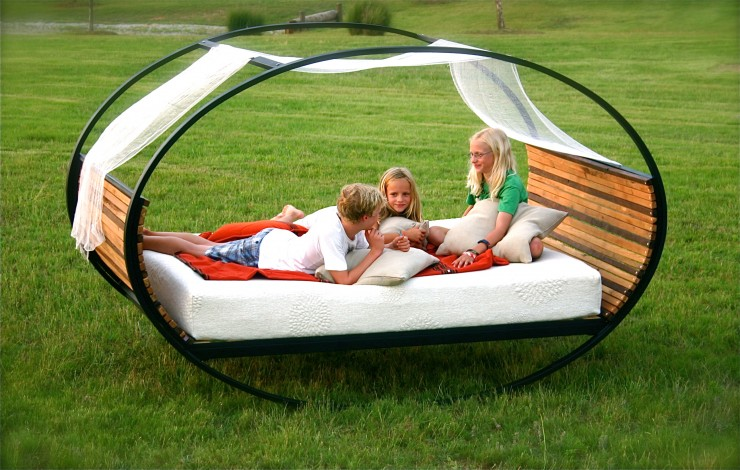 Mood Rocking Bed by Joe Manus for Shiner4
