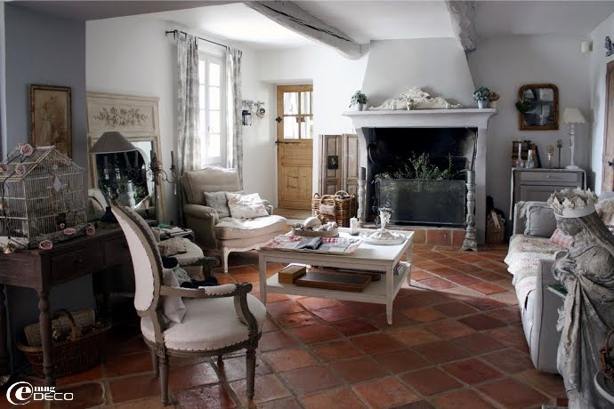 Dream shabby chic house in france decoholic for Salon shabby chic