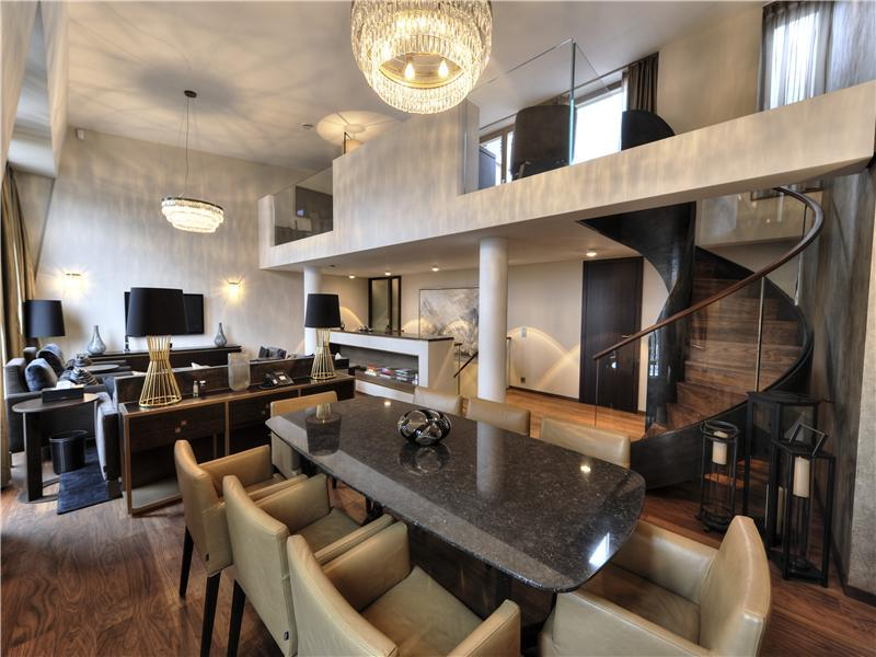 Amazing Penthouse With River View Decoholic