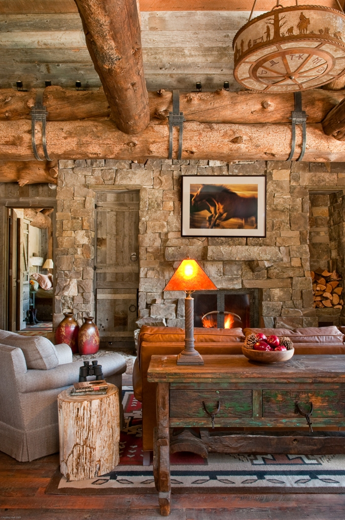 Rustic mountain Cabin 2