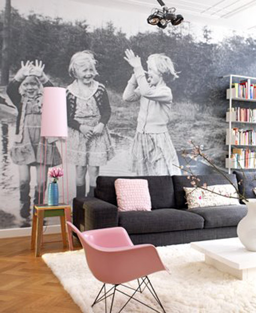 10 Living Room Designs With Unexpected Wall Murals - Decoholic