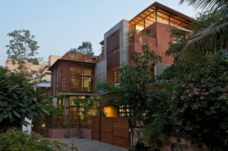 green house 9 by Hiren Patel Architects