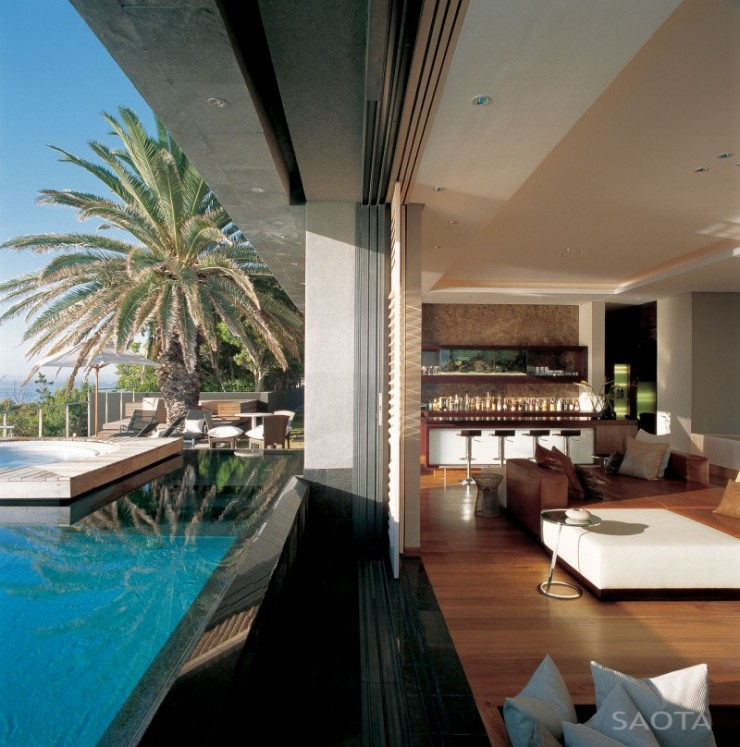 House With Stunning View and an Elegant Interior 4