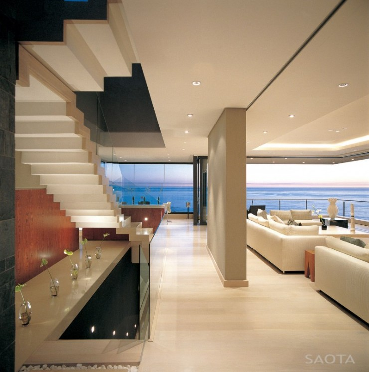 House With Stunning View and an Elegant Interior 7