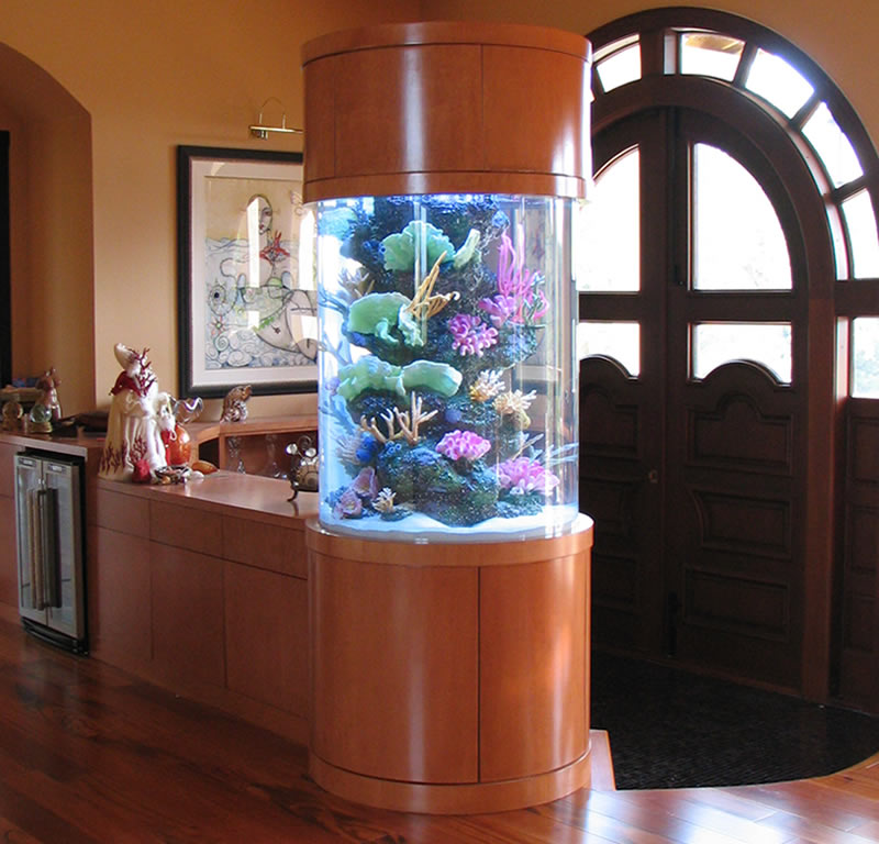 25 rooms with stunning aquariums decoholic for Aquarium house decoration